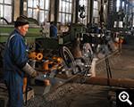 عمال المصانع وتعمل
