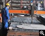 عمال للعمل في المصنع